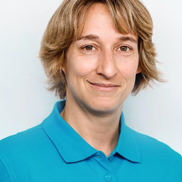 Dr. med. Nicole Pakaki